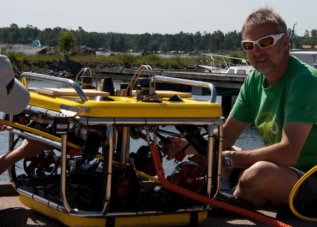 ROV (ferngesteuerter Tauchroboter)
