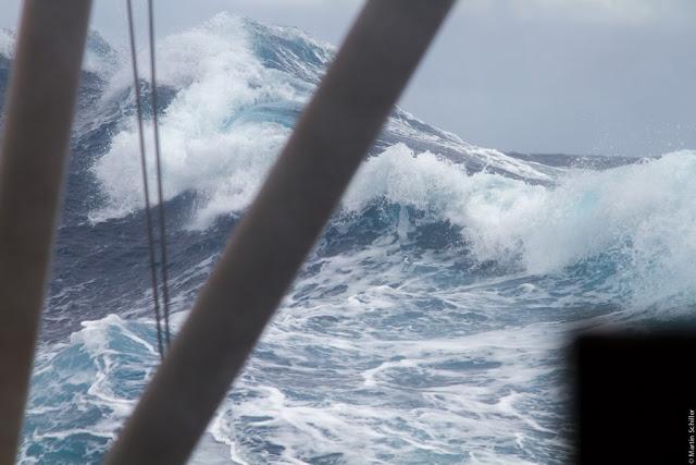 Sturm 9 BFT und 7 Meter signifikante Wellenhöhe