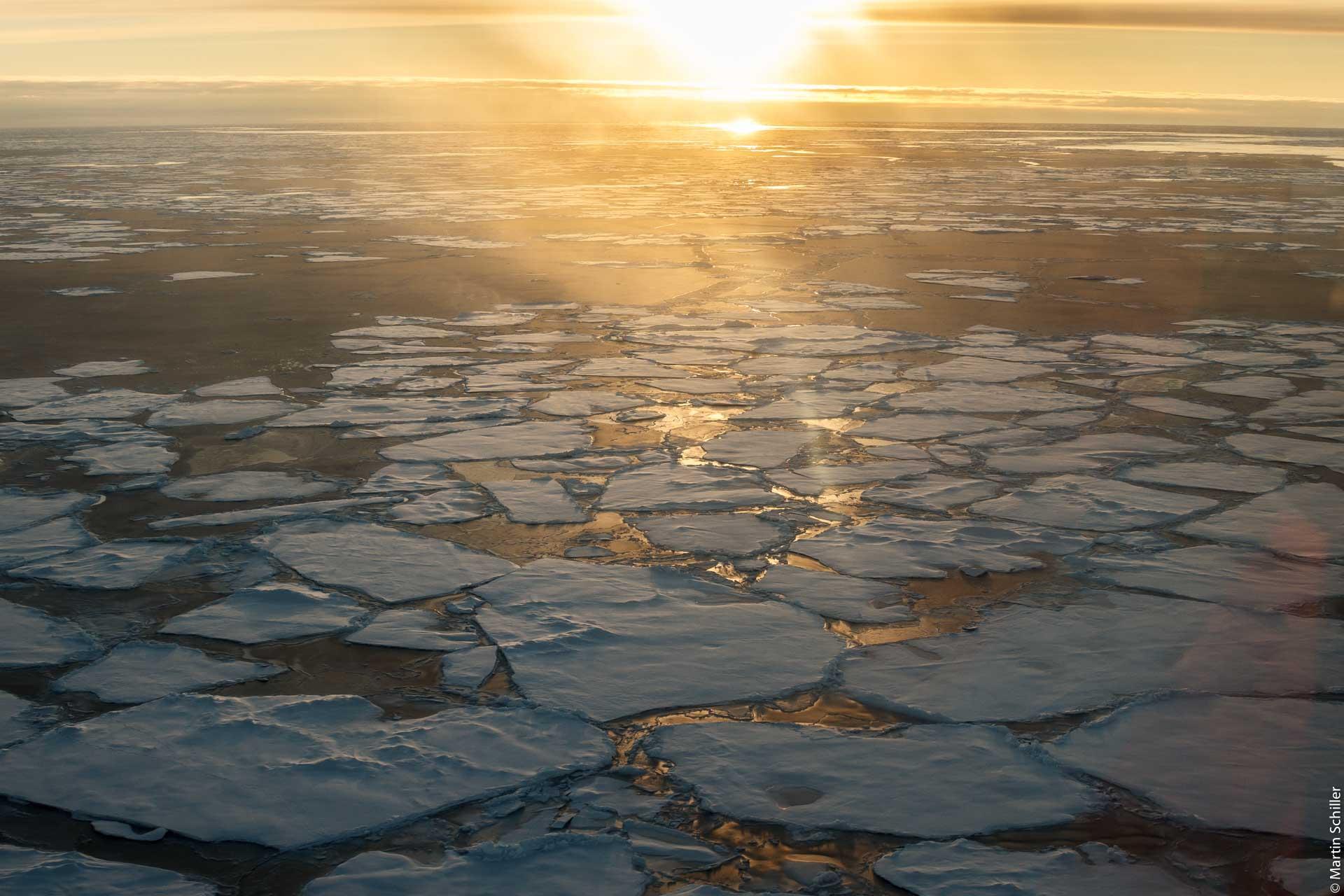 Wie verändert sich das Meereis in der Arktis und der Antarktis? (FAQ 4.1)