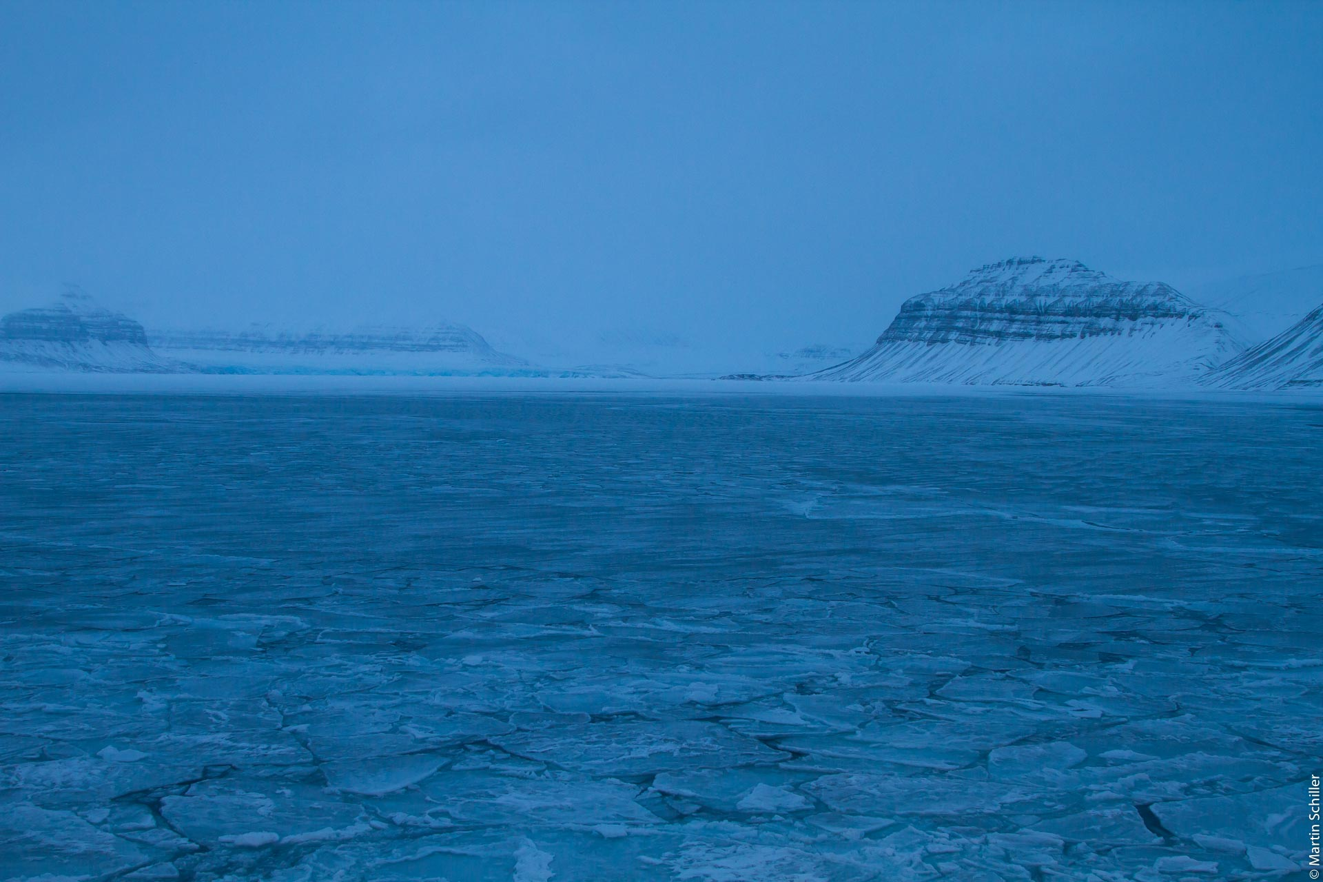 Könnte eine schnelle Freisetzung von Methan und Kohlendioxid aus tauendem Permafrost oder aus der Ozeanerwärmung die Erwärmung wesentlich erhöhen? (FAQ 6.1)